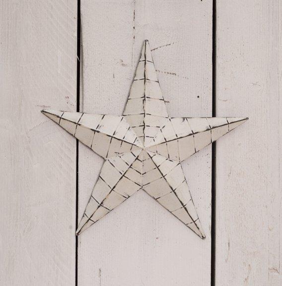 37527R White Barn Star 34cm